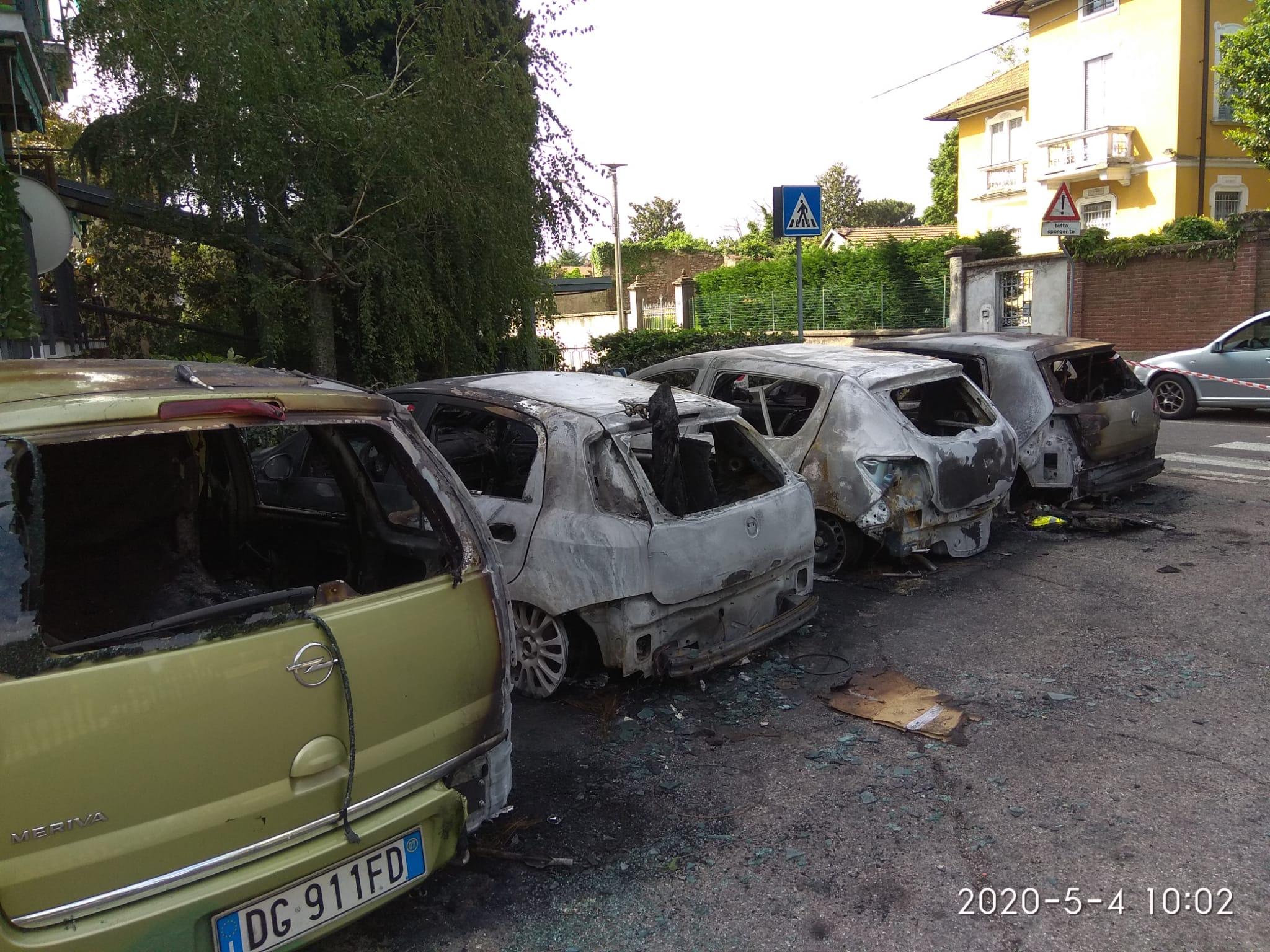 Olgiate auto bruciate