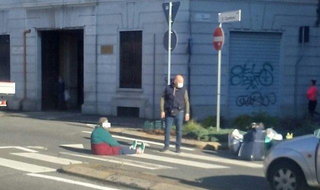 gallarate senzatetto blocca traffico