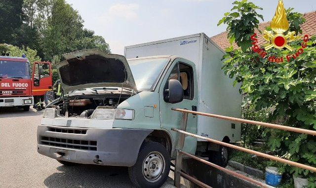 Torrente furgone incidente travedona