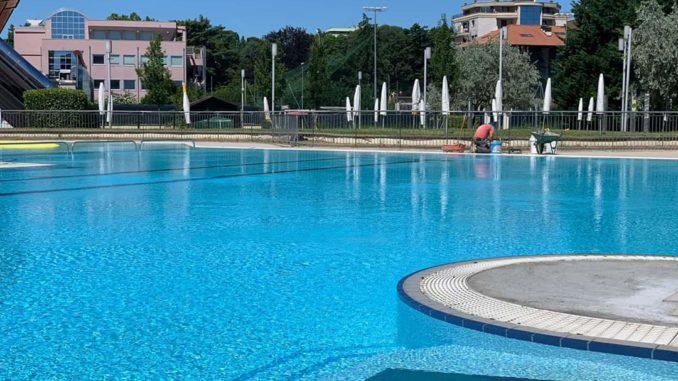 piscina manara busto