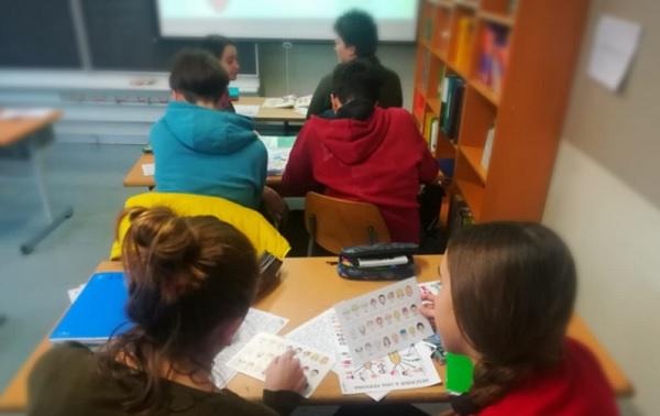 scuola mozione regione paritarie classe