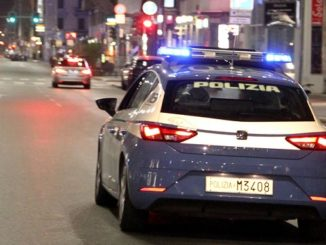 castanoprimo polizia arresto pistola