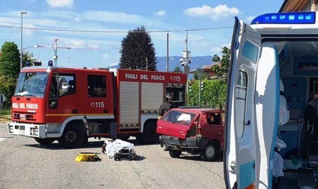 incidente ternate auto feriti