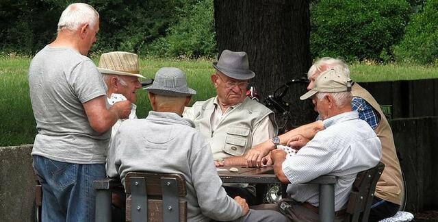 samarate anziani parco