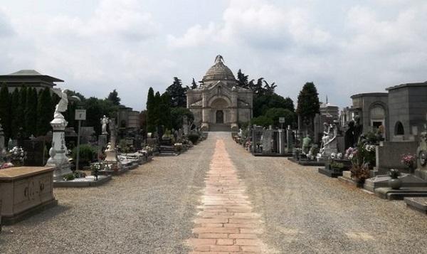 cimitero gallarate occupazione abusiva