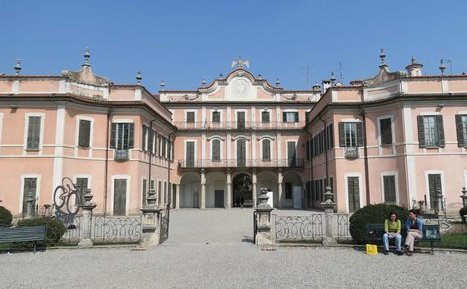 varese palazzo estense municipio