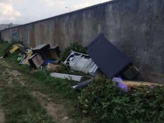cassano abbandona rifiuti preso