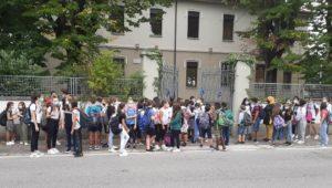 gallarate assembramenti covid scuole