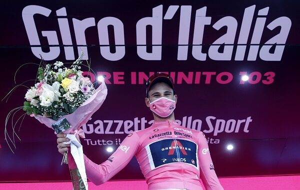 ciclismo ganna maglia rosa