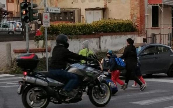 gorla minore incrocio garibaldi roma semaforo