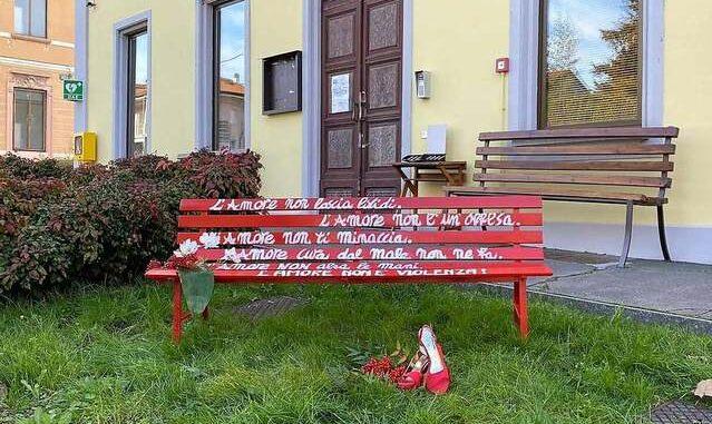 casorate panchina rossa comune