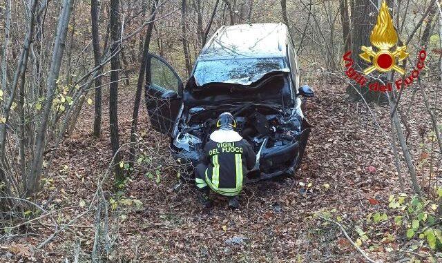 vergiate incidente auto camion