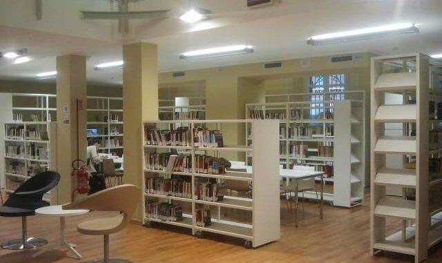 biblioteca busto riapre