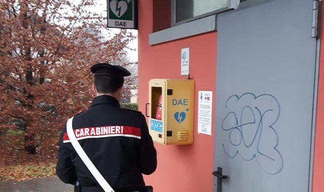 buguggiate casetta acqua defibrillatore carabinieri