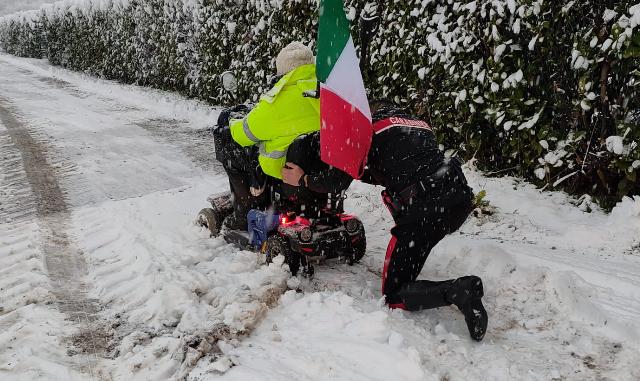 busto disabile neve carabinieri
