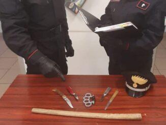 porto ceresio carabinieri minacce tirapugni