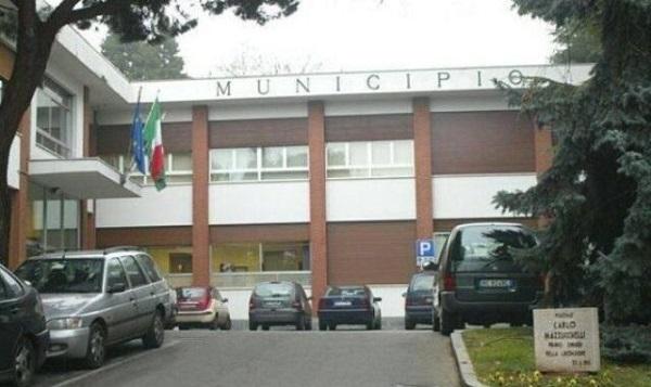 Cassano Magnago indagini Poliseno