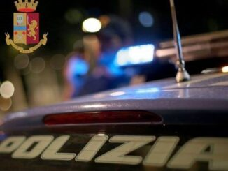 busto aggredisce poliziotti arrestato