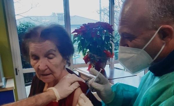 legnano vaccini anziani sindacati