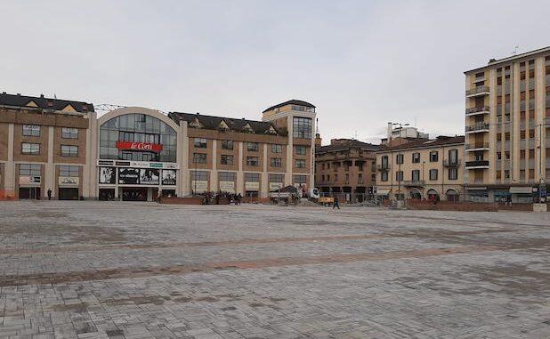 varese piazza repubblica mercato