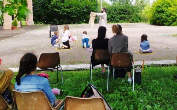 rescaldina incontri bambini biblioteca giardino