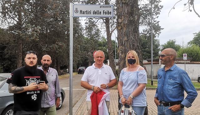 Vizzola piazza martiri foibe