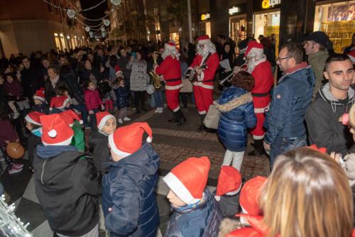 giogara379681-accensione Albero Natale