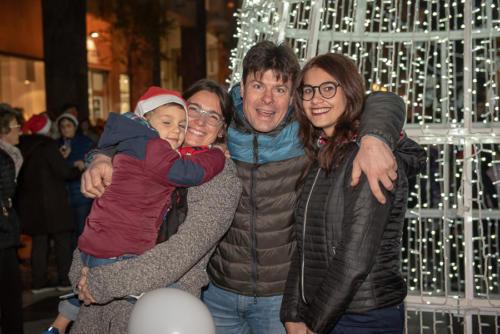 giogara379701-accensione Albero Natale